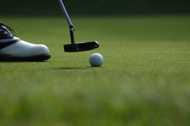 英語でゴルフはgolf