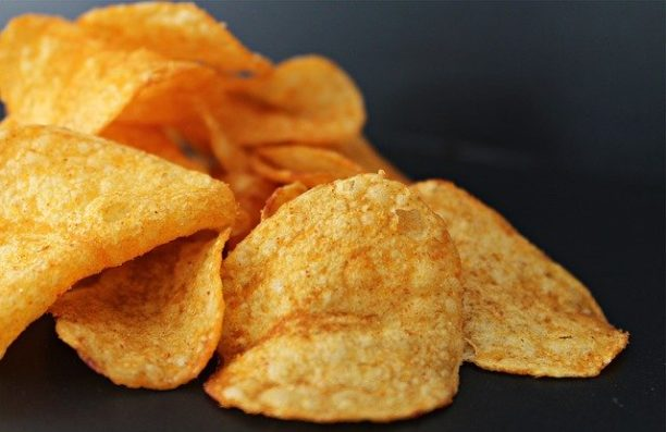 英語でポテトチップスはpotato chips