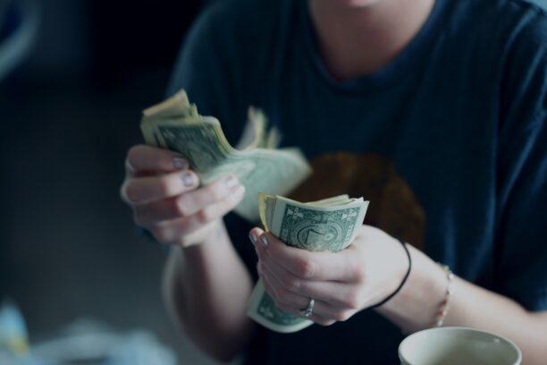 income-revenue違い